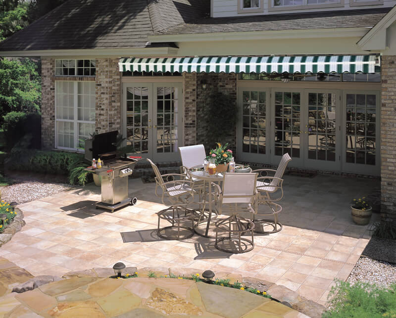 Retractable Awnings - Top Quality Deck and Patio Awnings